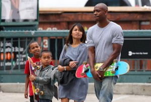 Dave Chappelle proves the family that skates together, stays together